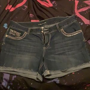 Maurices Jean shorts size 18.